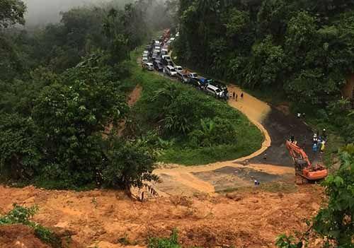 Travel Rute Riau-Sumbar Boleh Naikkan Harga Tiket Usai Longsor dengan Syarat...