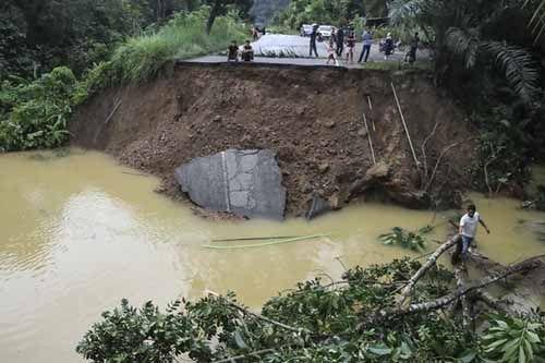 Bayi Usia 2 Hari Jadi Korban Keganasan Banjir di Perbatasan Riau-Sumbar