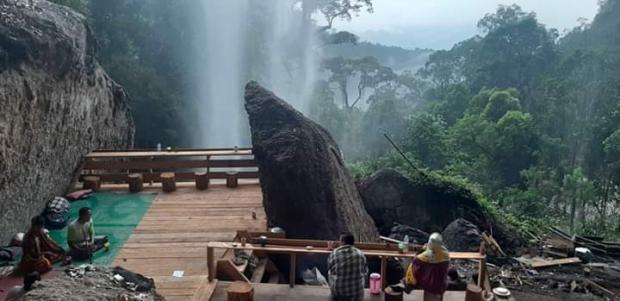 Gubernur Riau Ingin Ajak Sandiaga Uno Melihat Air Terjun Batu Tilam di Kampar