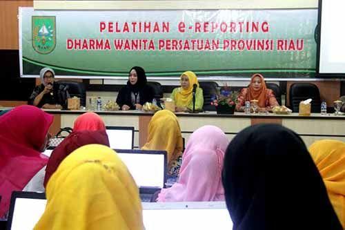 Ketua DWP Inhil Hj Zulaikhah: Dharma Wanita Tidak Boleh Ketinggalan Kemajuan Teknologi