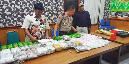 Petualangan Kurir Narkoba Jaringan Malaysia Kandas Saat Melintas di Riau, 40 Kg Sabu & 160.000 Ekstasi Disita