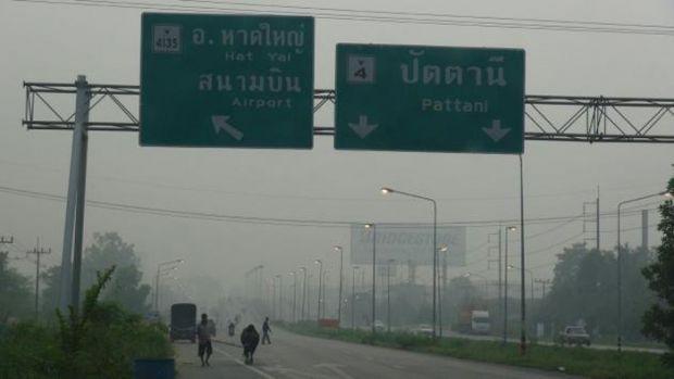 Protes Kabut Asap, Warga Thailand Ramai-ramai Datangi Konsulat Indonesia di Bangkok