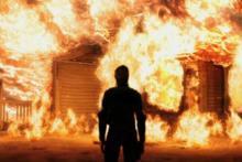seorang-pria-di-sumut-bakar-rumahnya-sendiri-diduga-depresi-ditinggal-istri-dan-anak
