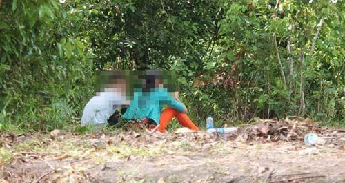 """Hasrat Tak Tertahankan, Pemuda 22 Tahun di Pekanbaru Paksa Kekasih """"Begituan"""" di Semak-semak Kawasan Tenayan"""