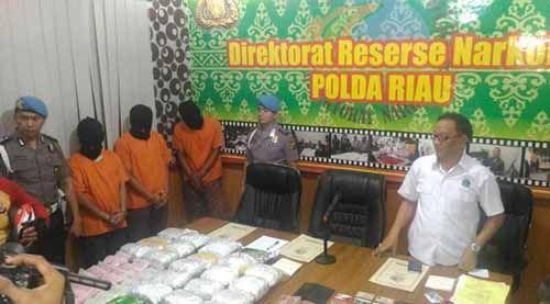 Gembong Narkoba Internasional Pemilik 40 Kg Sabu Dikenal Dermawan di Kampungnya, Warga Desa Jangkang Bengkalis Melindunginya Saat Hendak Ditangkap Polisi