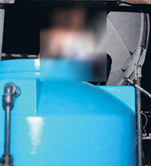 Meski Ditangkap tanpa Perlawanan di Rumahnya Desa Jangkang Bengkalis, Gembong Narkoba Pemilik 40 Kg Sabu & 160 Ribu Ekstasi Sempat <i>Ngumpet</i> di Tangki Air