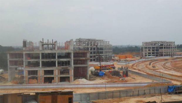 Pembangunan Megaproyek Perkantoran Pemerintah Kota Pekanbaru di Tenayanraya Dihentikan, Pak Wali Gusar saat Dikonfirmasi