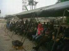kedatangan-presiden-ke-posko-purna-mtq-pekanbaru-diumumkan-melalui-pengeras-suara-aparat-tni