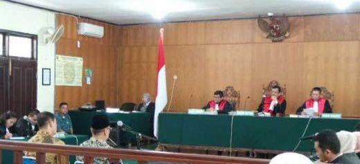 Tok! Hakim Tolak Keberatan Kuasa Hukum Terdakwa Dugaan Suap APBD Riau, Suparman dan Johar Firdaus