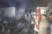 kebakaran-52-ruko-di-tapung-hilir-kampar-sepasang-suami-istri-tewas-terpanggang