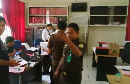 Lima Tersangka Kasus Dugaan Korupsi RSS Langgam Pelalawan Ditahan Kejaksaan