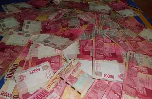 """""""Dimas Kanjeng Taat Pribadi"""" Mengaku Uang Hasil Menipu Warga Kampar Dihabiskan untuk """"Main Perempuan"""" di Pekanbaru dan Batam"""