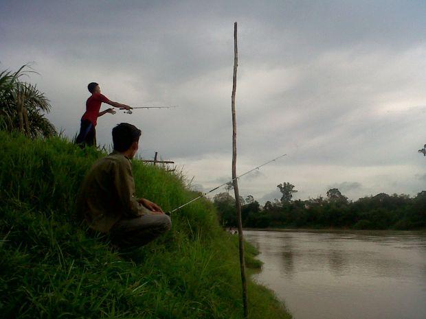 "Kasus ""Jeruk Makan Jeruk"", Pemancing Ini Curi Motor Sesama Pemancing di Sungai Kampar, Begini Kesudahannya!"