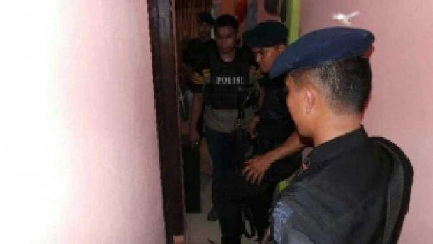 Penggerebekan Besar-besaran di Kampung Dalam, Pekanbaru, 23 Orang Ditangkap, di Antaranya Oknum Polisi