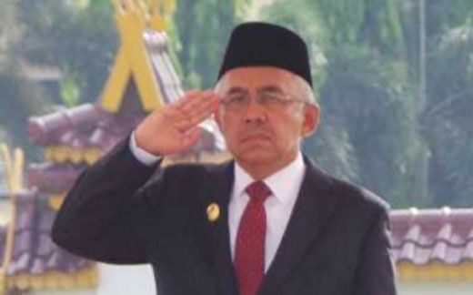 Arsyadjuliandi Rachman Pimpin Upacara Peringatan Hari Pahlawan di Kantor Gubernur Riau: Pahlawan Tidak Mengajarkan Politik Ketakutan