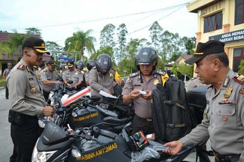 Bantuan Mobil Pelayanan SIM Keliling dan 20 Sepeda Motor dari Pemkab Siak Menggembirakan AKBP Restika Perdamaian Nainggolan & Jajarannya