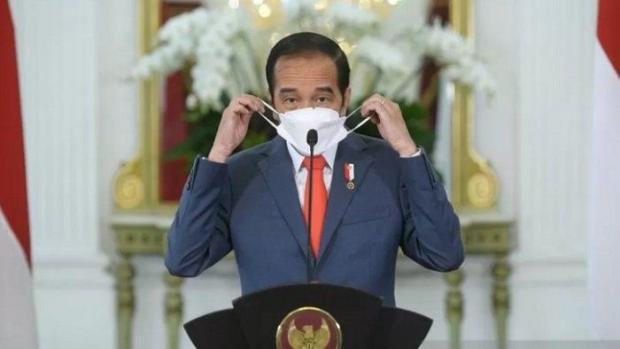 Jokowi: Pemda Jangan Cuma Suruh Warga Pakai Masker, tapi juga Bagikan!