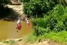 ini-cerita-sebenarnya-di-balik-video-murid-sd-menyeberang-sungai-pakai-keranjang-terbang-di-kampar
