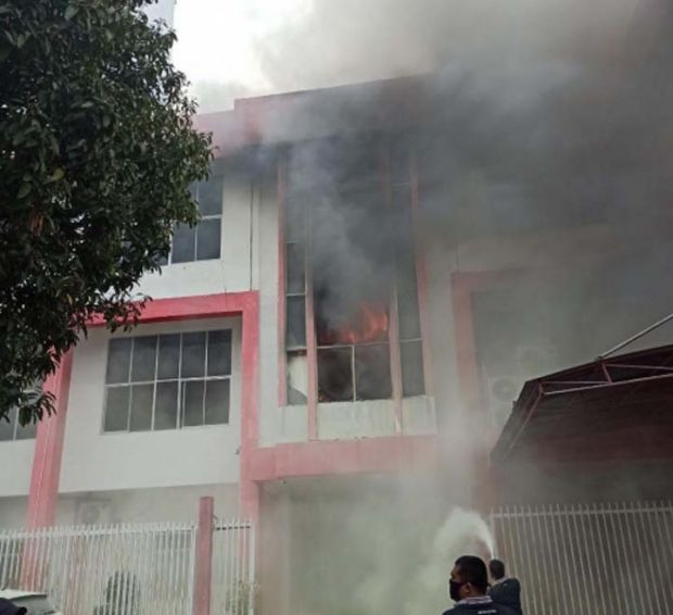 Gedung di Area Plasa Telkom Jalan Jenderal Sudirman Pekanbaru Terbakar, Jaringan Telkomsel Mendadak Hilang