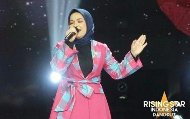 Wike Julia dari Kuantan Singingi Tembus Sembilan Besar Rising Star Indonesia Dangdut