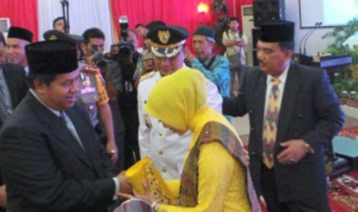 Gubernur Riau Andi Rachman Ingatkan Penjabat Bupati Kampar agar Tak Diskusi dengan Oknum di Luar Sistem Pemerintahan