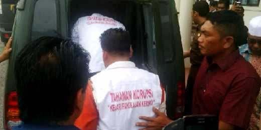 Enam Tersangka Korupsi Multimedia Disdik Pelalawan Dilimpahkan ke Pengadilan Tipikor Pekanbaru