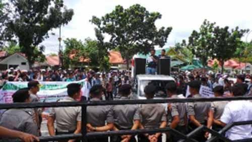 Ratusan Massa Desak Polda Riau dan Kejaksaan Tuntaskan Dugaan Korupsi Pembangunan Ruang Terbuka Hijau di Kota Pekanbaru