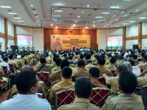 Jelaskan Program Provinsi, Gubernur Arsyadjuliandi Rachman Malah Disoraki Berkali-kali oleh Ribuan Kepala Desa se-Riau