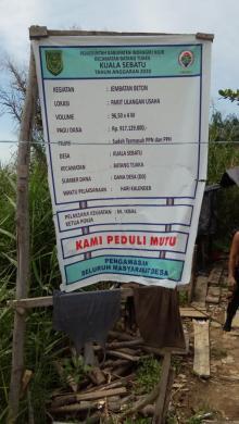 proyek-jembatan-di-desa-kualasebatu-inhil-tak-cantumkan-jadwal-waktu-pekerjaan