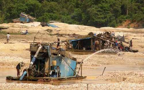 Empat Warga Ditangkap saat Menambang Emas Ilegal di Peranap Inhu