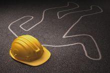jenazah-aprianto-manik-pekerja-yang-tewas-tertimpa-icranei-di-proyek-tol-pekanbarudumai-dibawa-ke