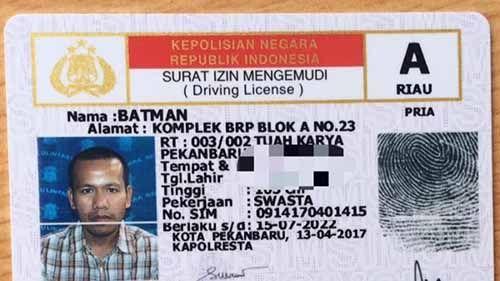 Hebohnya Pak Polisi Ketika Batman Urus Perpanjangan SIM di Polresta Pekanbaru