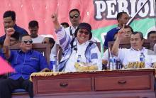 kampanye-terakhir-ditemani-syamsuar-dan-edy-natar-di-rokan-hulu-siti-nurbaya-bilang-jokowi-paling