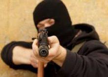 sadis-4-bandit-bersenjata-api-tembaki-kantor-perusahaan-di-kampar-1-korban-tertembus-peluru