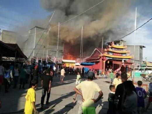 Kebakaran Landa Permukiman Etnis Tionghoa di Panipahan Rohil, 16 Rumah Hangus, Pekong Kuda Nyaris Disambar Api