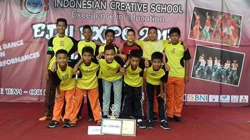 """Demi Gelar Juara, Tim Futsal SMP Juara Pekanbaru """"Berdarah-darah"""" di Competition ICS"""