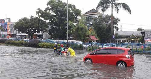 Mengapa Setiap Hujan Kota Pekanbaru Sering Direndam Banjir?