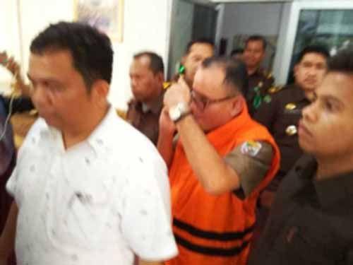 <i>BREAKING NEWS</i>: Mantan Kepala Dinas Pendidikan Pelalawan Resmi Ditahan Kejati Riau Terkait Kasus Pungli Rp210 Juta