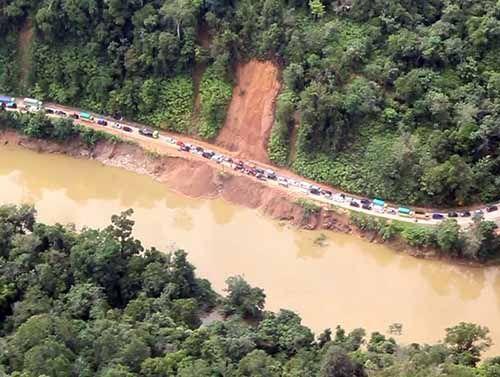 Longsor dan Banjir di Perbatasan Riau-Sumbar Diduga Dipicu Kerusakan Lingkungan
