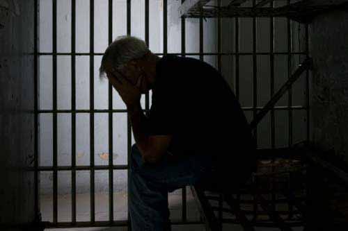 Diduga Peras Kontraktor, Eks Kadis Pendidikan Pelalawan Divonis 1,5 Tahun Penjara
