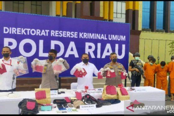 Komplotan Rampok ATM Rp775 Juta di Rokan Hulu Dibekuk di Sumbar, Jakarta, dan Jatim