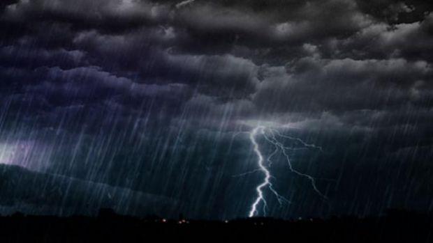 Waspadalah, Seharian Ini Riau Diperkirakan Diguyur Hujan, Petir dan Angin Kencang