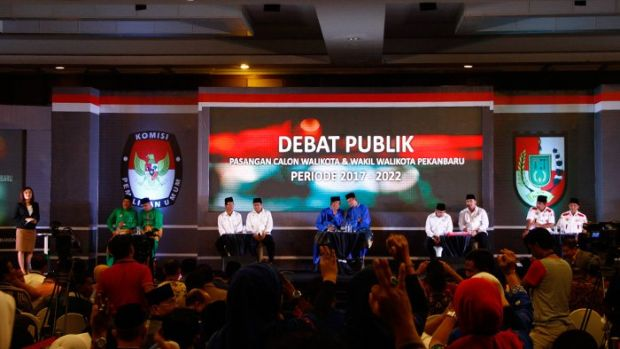 "Hasil Sementara Pilkada Pekanbaru 2017: Data 10,24 Persen, Pasangan ""Bisa"" Tempel Firdaus-Ayat"