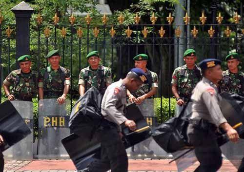 """Ini Jurus Polisi - TNI Cegah """"Serangan Fajar"""" Pilkada 2017 di Pekanbaru dan Kampar"""