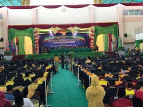 Unilak Lepas 628 Wisudawan, Rektor Dr Hj Hasnati Minta Alumni Jaga Nama Baik Almamater