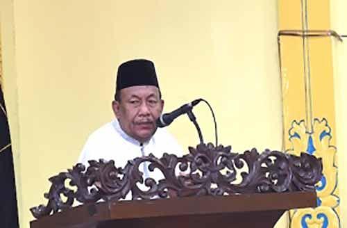 Untuk Kali Pertama, Wakil Gubernur Riau Pimpin Apel Pagi di Halaman Kantornya