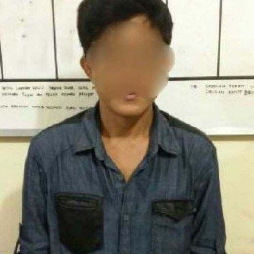 Bandar Narkoba Kelas Wahid Buronan BNN RI atas Kasus Kepemilikan 270 Kg Sabu Ditangkap di Pulau Rupat Bengkalis setelah Mobilnya Dikepung Polisi