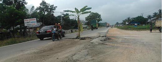 Masih Saja Rusak, Perbaikan Jalan Nasional Kubang Raya Terkesan Dilakukan Asal-asalan oleh P2JN Riau