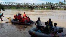 hingga-sore-tadi-tim-pencari-belum-temukan-nazwir-warga-desa-kinali-yang-hanyut-di-sungai-kuantan