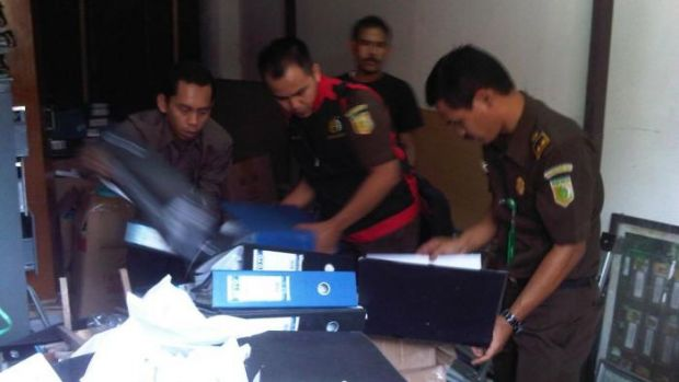 Penggeledahan Kantor Dispenda (Bapenda) Riau oleh Kejaksaan Terkait Dugaan Korupsi Anggaran Perjalanan Dinas Fiktif